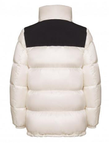 Куртка-пуховик с высоким воротом